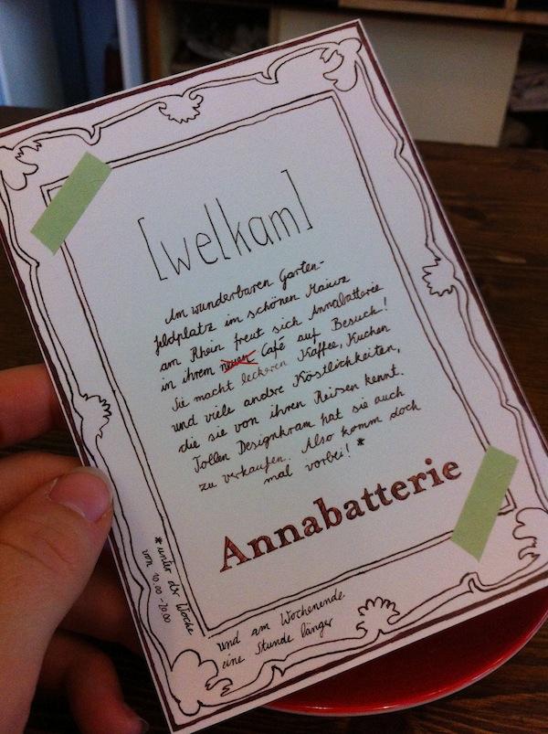 """Willkommen im Cafe Annabatterie, einem wirklich gemütlichen Café in Mainz: Das Frühstück """"Go Vegan"""" mit Erdnussbutter, Hummus & Avocado gibt's bis 15.00 Uhr! Köstlich - und sehr empfehlenswert."""