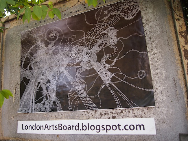 The Arts are omnipresent here and literally carved in stone - blogging, of course !