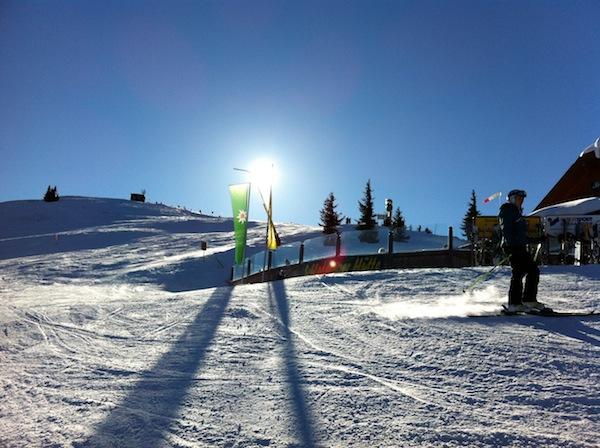 Alternative Winterfreunden zu Schifahren? Schwierig angesichts des Gefühls, welches begeisterte Ski-Hasen & Snowboarder wie wir an diesem Tag verspüren. Was meint Ihr?