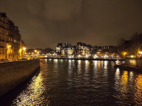 Nachts in Paris: Eine Stimmung der ganz besonderen Art.