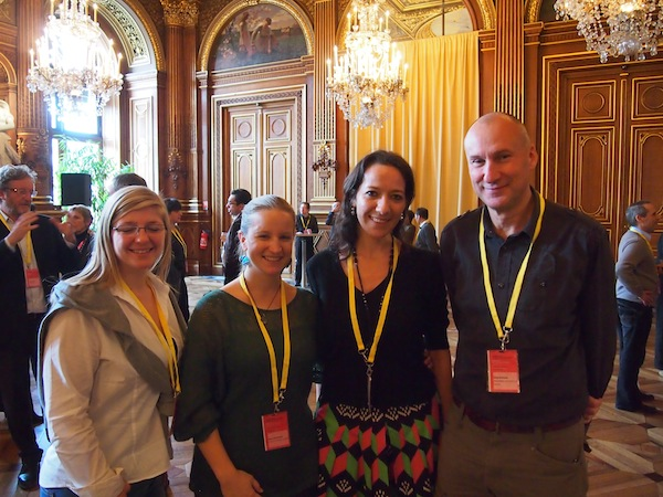 "Von links nach rechts: Laurie Buchte (Region Ardennes-Luxembourgeoises), Elena Paschinger (Kreativ Reisen Österreich), Caroline Couret (Barcelona Creative Tourism), Greg Richards (Professor & International Creative Tourism Research Expert): Die vermutlich größten ""Fans"" von Kreativtourismus International!"