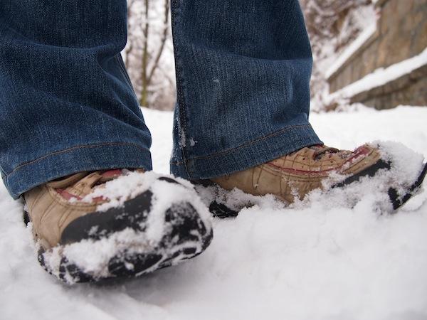 """Mein eigenes """"festes Schuhwerk"""" besteht diesmal aus meinen Wanderschuhen, die ich schon mal für die Trekking-Reise nach Patagonien eingehe ... Auch dort soll's des Nächtens ja ganz schön kalt werden?!"""