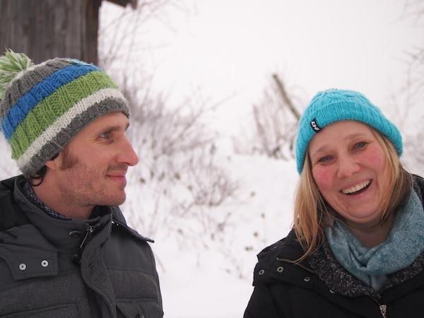 ... treffen wir in Krems auch immer wieder auf die eigenen, lieben Bekannten! Tipp: Türkise Haube im Schnee ... der Hit