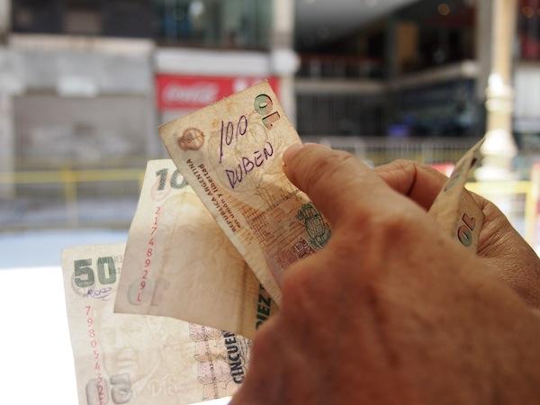 Auch Tipps zur Weiterreise und zum allgemeinen Umgang in der Stadt Buenos Aires, zum Beispiel auch zum Thema Geld, hat Joaquín für uns stets parat.