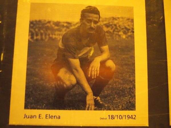Elena bedeutet auch Fußball: Im La Boca Stadion informieren wir uns über die 1. Leidenschaft der Argentinier.