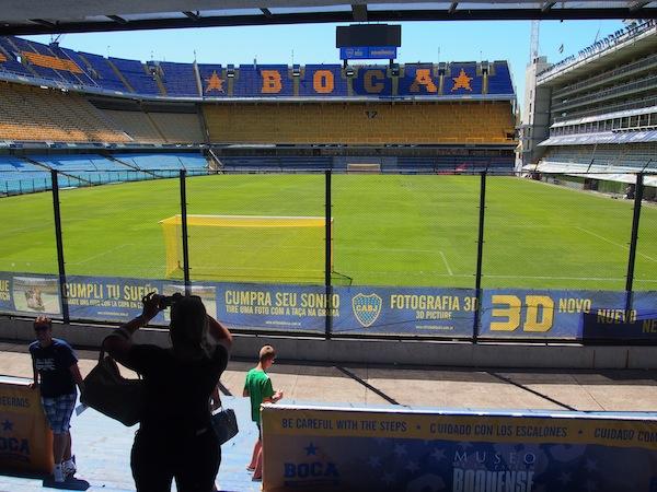 Das Stadion-Museum gibt die Atmosphäre nur indirekt über Aufzeichnungen wieder, die hier während der Spiele herrschen muss: Fußball in Argentinien ist mehr als eine Religion - er bedeutet einfach alles.