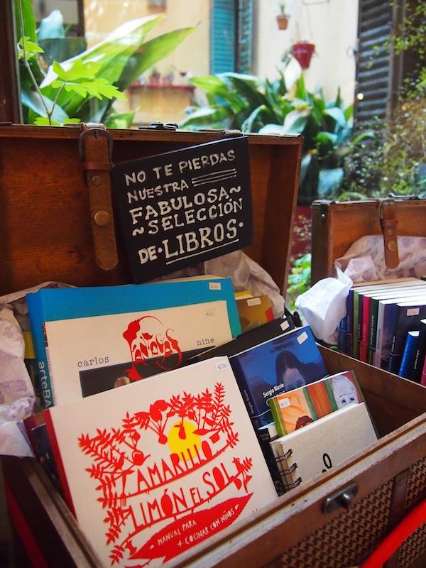 """""""Cualquier Verdura"""" lädt zum ausgedehnten First & Second-Hand-Shopping in Buenos Aires ein: Irgendwie bleibe ich hier länger als erwartet hängen ... :D"""