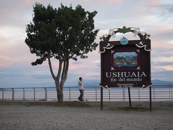 """Ushuaia, """"la ciudad más austral del mundo"""" liegt beinahe am 60. Breitengrad Süd, noch weiter südlich als beispielsweise die Südspitze Neuseelands. Erster Eindruck: Atemberaubend."""