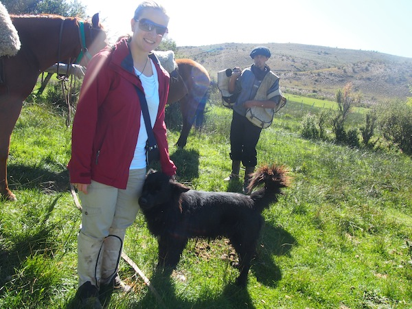 """Mein erster Kontakt zum argentinisches Netzwerk von """"Urlaub am Bauernhof"""" verläuft an einem strahlenden Sommertag Ende Februar nahe der Stadt Bariloche."""