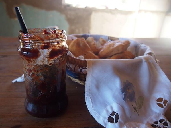 """Im Haus der Familie angekommen, erwartet uns ein zweites Frühstück mit Köstlichkeiten """"ab-Hof"""", die im Preis der Exkursion inbegriffen sind."""