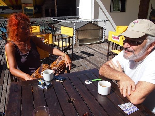 """Über den Pazifik geschaut, treffen wir hier in Buenos Aires auf den Vizepräsidenten des Internationalen Global Greeter Network Joaquín Brenman, 69 Jahre alt, der sich """"nicht mehr anstrengen müsste"""" es aber aufgrund seiner zahlreichen Funktionen dennoch tut - inklusive vielen Jahren als Leiter der freiwilligen Stadtführer """"Buenos Aires Cicerones""""."""