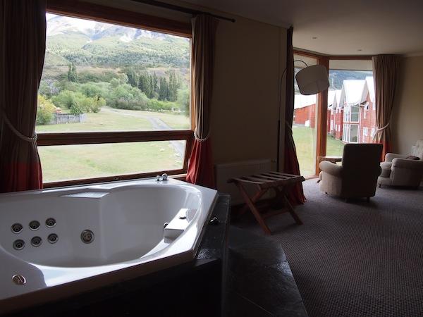 """Als Reiseblogger hat man die Chance, in """"unbekanntes Terrain"""" vorzudringen: Etwa ein ansonsten unlesbares Hotelzimmer ($550 kostet hier die Nacht) im 4-Sterne-Nationalparkhotel Las Torres in Torres del Paine, Chile."""