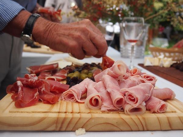 Gegessen wird hier wirklich überall ausgezeichnet: Auf den Weingütern Mendozas fehlt es an nichts ...