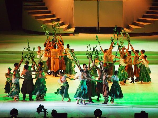 Professionelle Darbietungen wie diese rauben uns den Atem, alle Tänzer kommen aus der Provinz Mendoza was meinen Respekt nochmals vertieft. Wow!