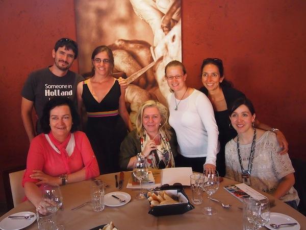 """Als Gruppe, die in vier Tagen viel erlebt hat, genießen wir unsere letzten Stunden in der wunderschönen Atmosphäre von """"Las Marujitas"""" gemeinsam."""