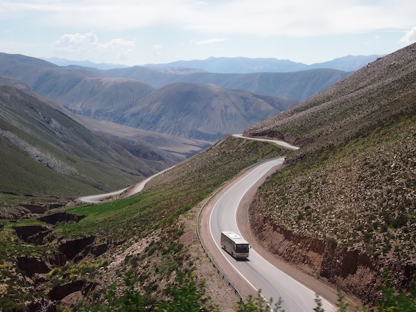 "During the first hour of this exciting road trip, we constantly ""wind ourselves up"" on the eastern parts of the Cordillera de los Andes."