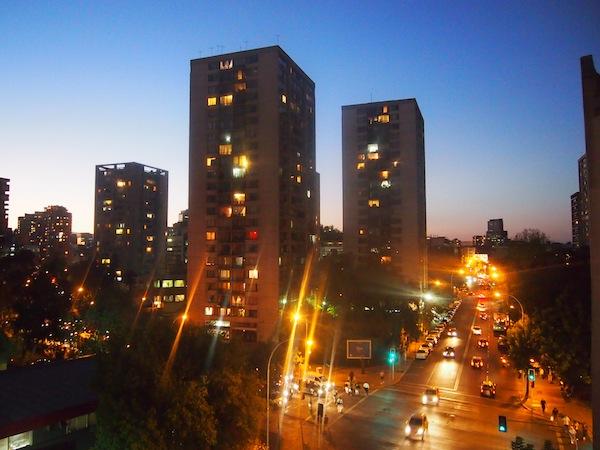 Am Abend zuvor hatten wir noch folgende Spätsommer-Aussichten mitten im Herz der chilenischen Hauptstadt Santiago de Chile!