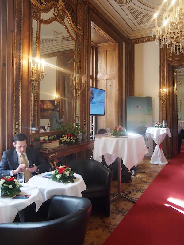 Die Tagung findet heute in den prunkvollen Barocksälen des MOYA - Museum Of Young Art - im Herzen der Bundeshauptstadt Wien statt.