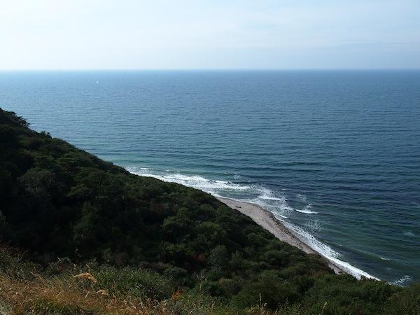 ... sich zurücklehnen und von ganz oben die Weite der Küstenlandschaften genießen. Hier gerät vieles in Perspektive und wird klarer, was zuvor undeutlich erscheint.