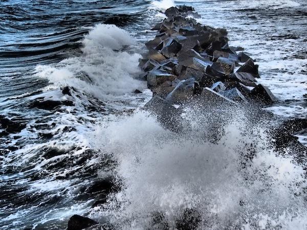 Das Meer in all seiner Kraft.