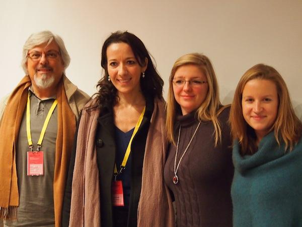 Während der letzten Internationalen Creative Tourism Network Conference in Paris treffen Laurie & Caroline (v.r.n.l.) auf Victor, den Leiter der FUSIC Fundació de Societát i Cultura in Barcelona - die Begeisterung für Kreativ-Reisen, Entwicklungsmöglichkeiten und Potenzial teilen wir alle mitsammen.