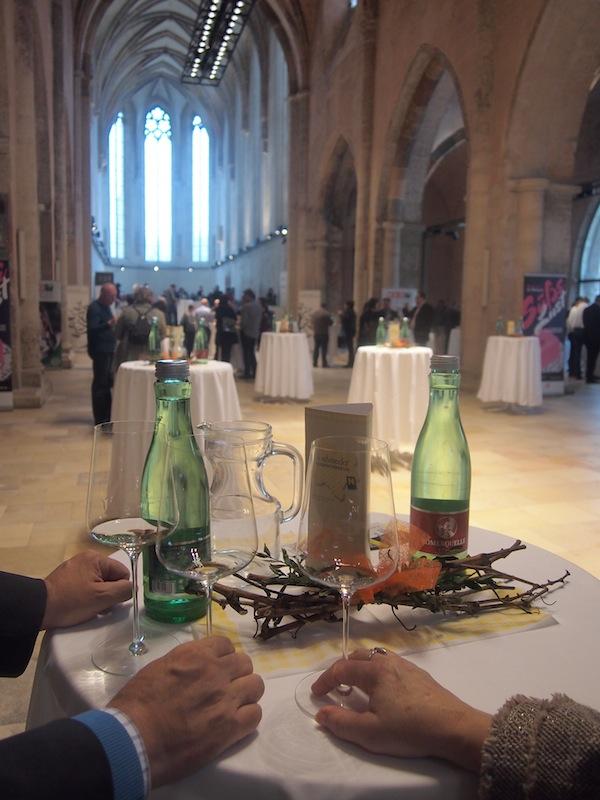 Dazu das Ambiente in der Kremser Dominikanerkirche: Ein wahrlich festlicher Rahmen für die Präsentationen der Top-Winzer.