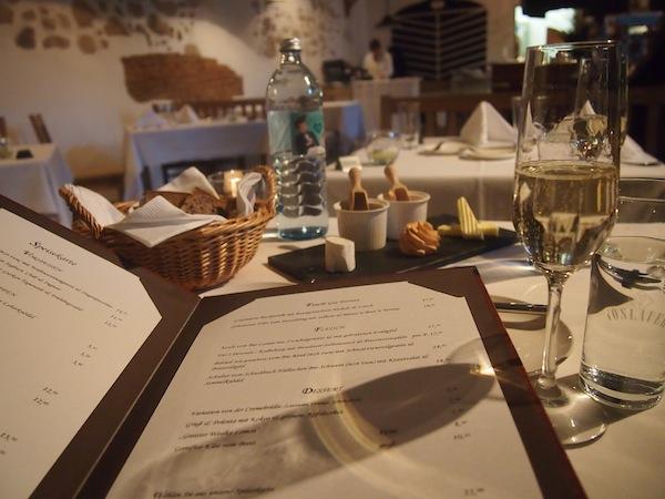 """""""Just Beautiful"""": Das Ambiente des Schlosskeller passt hervorragend zu den kulinarischen Hochgenüssen, welche uns hier erwarten."""