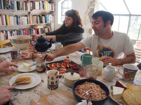 Köstliches Frühstück vom Land erwartet uns hier in den Räumlichkeiten der Alten Bündelei nahe Kühlungsborn.