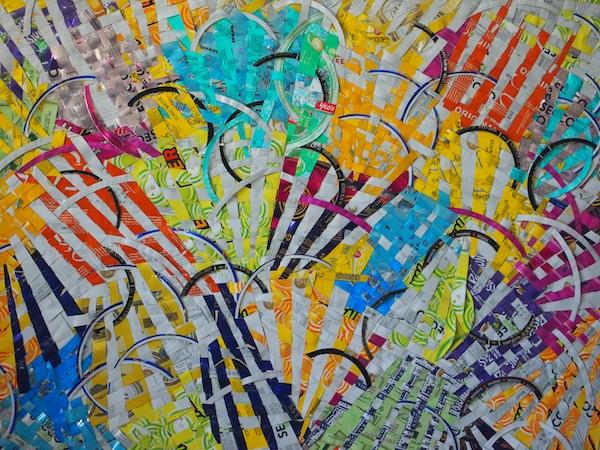 Wenig später stehen wir vor diesem Bild und bewundern Farbgebung & Bildkomposition der Künstlerin Anka Kröhnke, die dieses Werk aus vielen verschiedenen Farbdosen geschaffen hat!