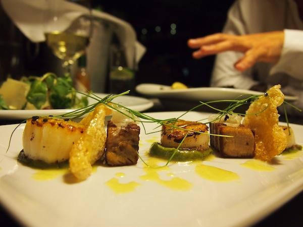 Auch hier gibt es einzigartige Köstlichkeiten zu genießen; regionale Zutaten und Fischspezialitäten überwiegen und stehen für den einzigartigen Geschmack dieser Gerichte.
