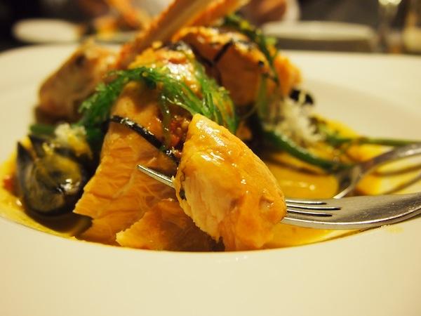 Mahlzeit, Ihr Lieben! Dieses Foto widme ich Euch in aller Zartheit & Schönheit. Ich liebe gutes Essen einfach über alles !!