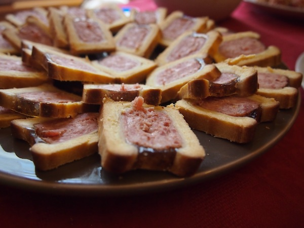 I cannot remember the name of these beauties, but it was a kind of meat pâté wrapped in millefeuille dough … lovely.