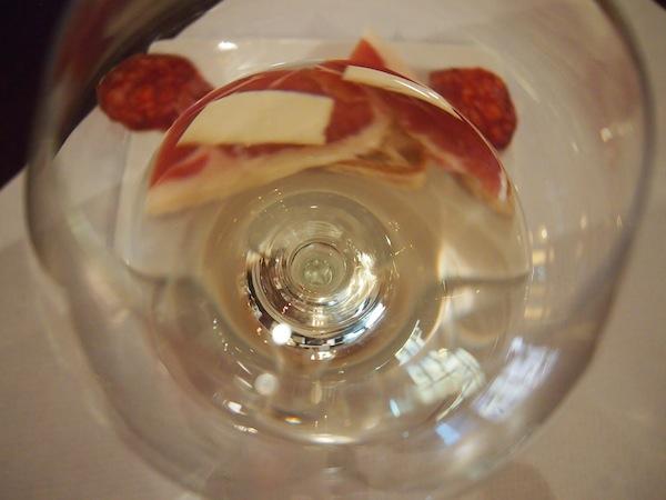 """Im Anschluss geht es auf zur """"richtigen"""" Weinverkostung in die Bodega Matias."""