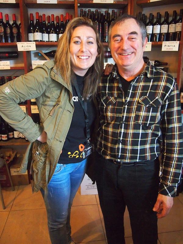"""Gib dem Tourismus ein Gesicht"""": Hier lernen wir ein weiteres, das des Vinothek-Inhabers Matias kennen."""