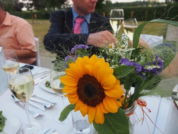 """Prost bei """"Tafeln im Weinviertel"""": Wir stimmen uns auf die feierliche Eröffnung des längsten Abend des Jahres an diesem 21. Juni 2013 im Weingarten ein!"""