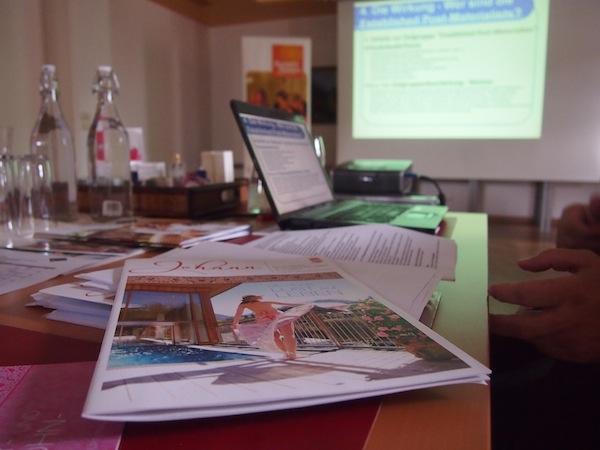 """Beim """"Storytelling""""-Workshop lernen wir das Sommer-Magazin mit faszinierend guten Geschichten kennen."""