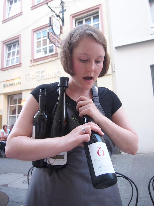 """Von den """"Wein.Sinnig(en)"""" Damen werden wir ausgezeichnet informiert und bedient."""