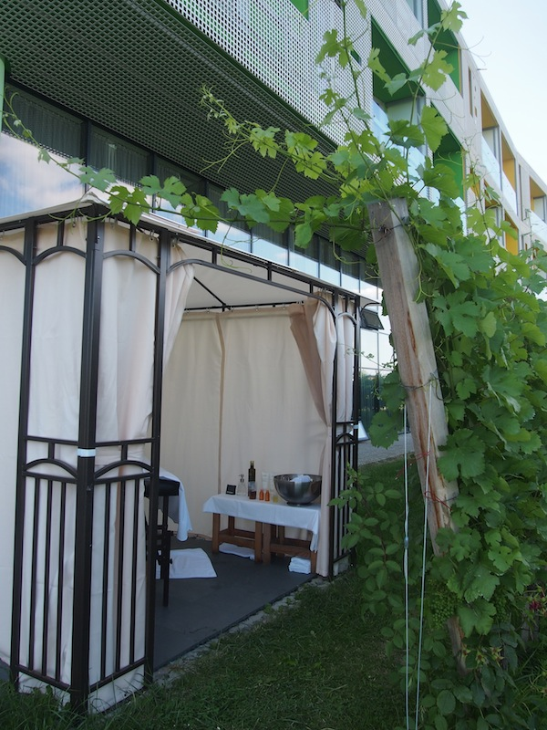 During summer, the massage table just moves outside the garden and welcomes us right here in vineyards: Complete with local grape seed oil and a good glass of Riesling wine to finish, this is an experience I can truly recommend.