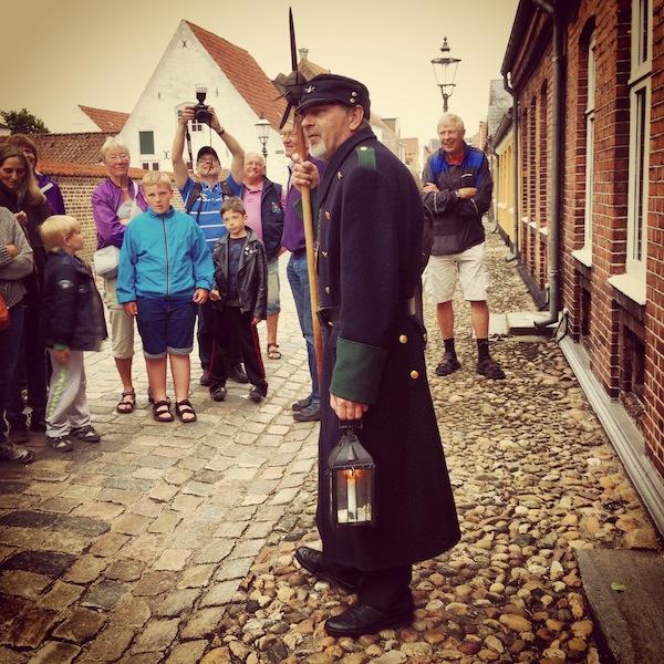 ... kostenfreie Touren mit dem historischen Nachtwärter von Ribe! Ein faszinierendes Ereignis, das Ihr Euch nicht entgehen lassen solltet!