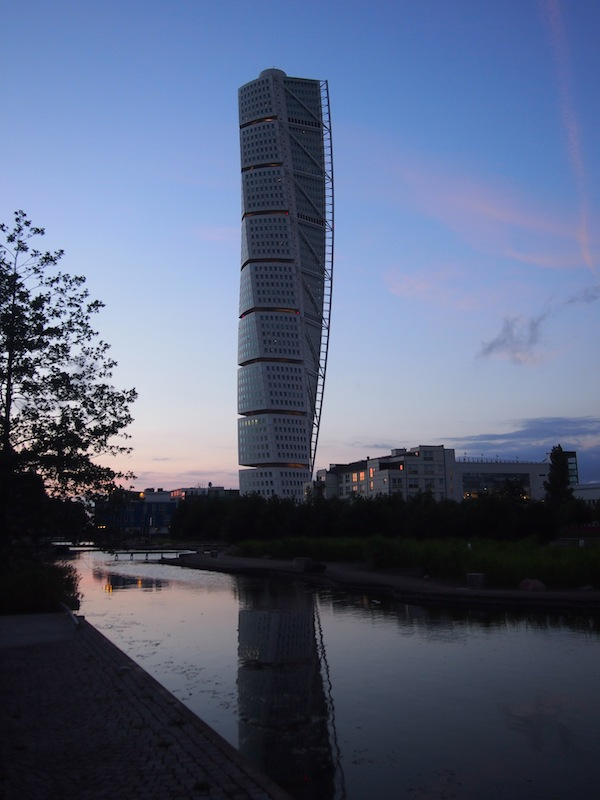 "The ""Turning Torso"" in the harbour district of Malmö."