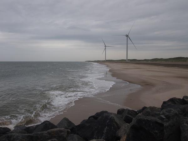 Ganz an der Westküste Dänemarks schließlich genießen wir von der Kleinstadt Hvide Sande aus einen wunderschönen Blick über das Nordseemeer.