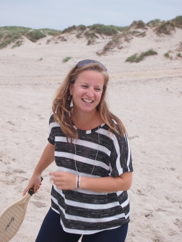 Bei so viel gutem Essen darf die Bewegung natürlich nicht fehlen: Ausgleich beim Beach Ball an der Westküste Dänemarks nahe der Stadt Hvide Sande.