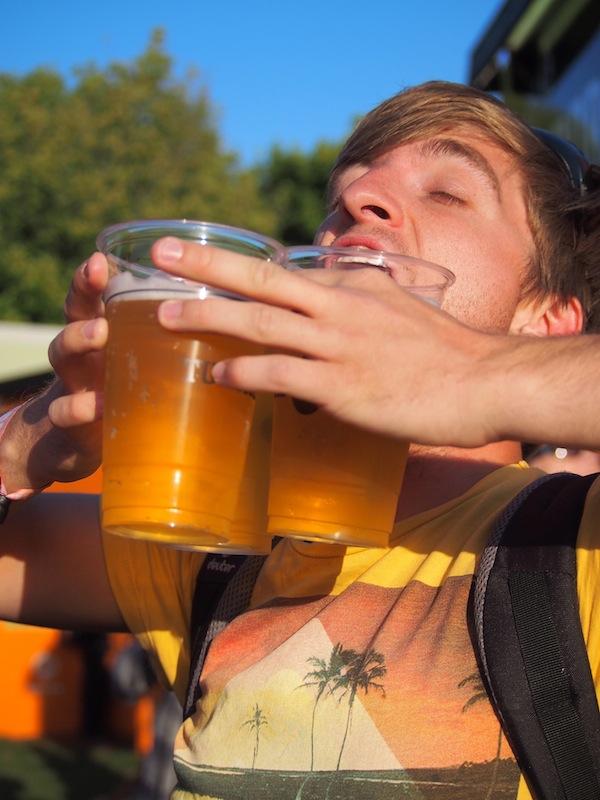 Bier Marsch: Immer eine gute Idee. Let the Festival begin!