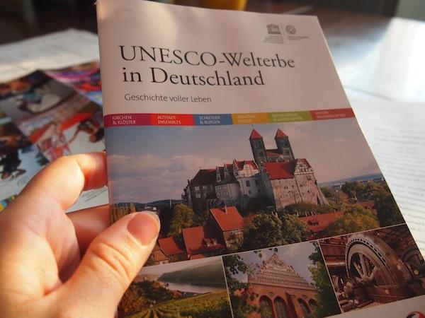 Welterbe in Deutschland: Insgesamt 38 Stätten finden in dieser informativen und detailreichen Broschüre Platz. Damit hat Deutschland einen der höchsten Anteil an Welterbestätten im internationalen Vergleich!
