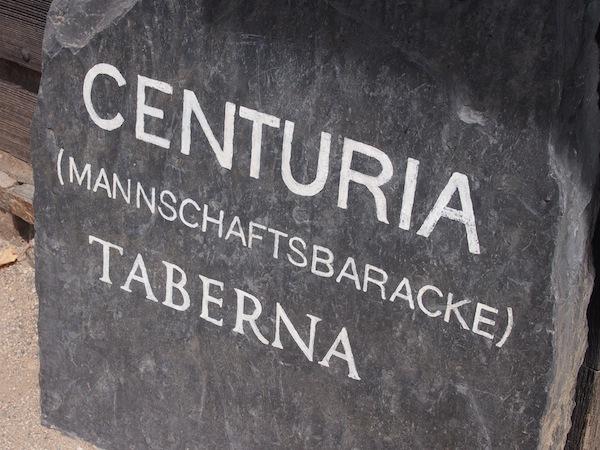 """Ich folge der Fährte und begebe mich nach dem spannenden Römervortrag gleich mal in die """"Centuria Taberna"""" - immer auf der Suche nach dem guten Geschmack!"""