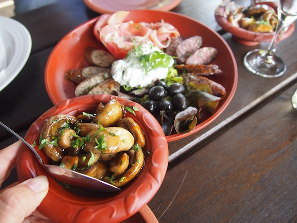 Mahlzeit, ihr Lieben !! Wie da die Römer wohl gesagt hätten?