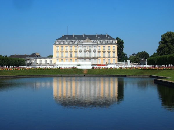Visiting Augustusburg Palace at only about half an hour's distance from the bustling city centre of Cologne.
