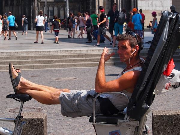 Chill out in Köln: Wem das Pflaster hier zu heiß wird, kann sich gerne auch chauffieren lassen!