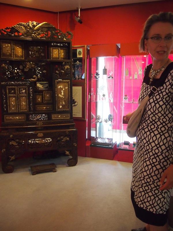"""""""Ganz schön dufte"""" ist meine persönliche Stadtführung mit der liebenswerten Martina Prießkorn, welche direkt auf meine Bedürfnisse & Wünsche abgestimmt mich zu allen Schätzen und Orten voller Geschichten in Köln führt. Wie dem großartigen Duftmuseum der Stadt! Fehlt nur noch das Schokolademuseum am Rhein ... :D"""
