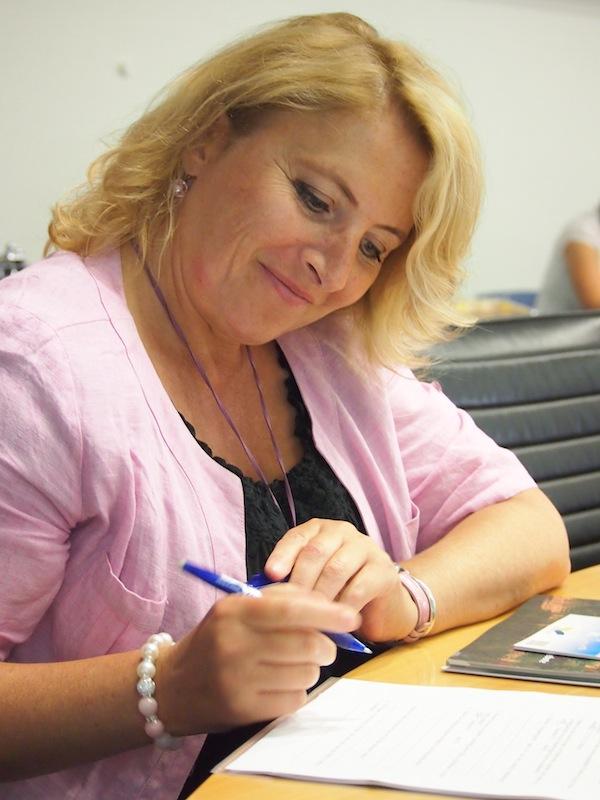... Frau Förster von der Stadt Wertheim Tourismus GmbH macht sich bereits Notizen & Gedanken zur Organisation der nächsten Bloggerreise ... ?! ;)